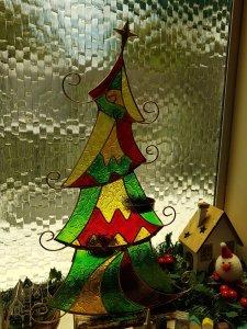 Coloured glass, playful Christmas tree
